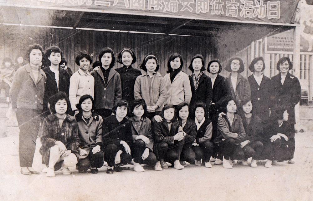 《行針步線:澳門製衣工人口述歷史》