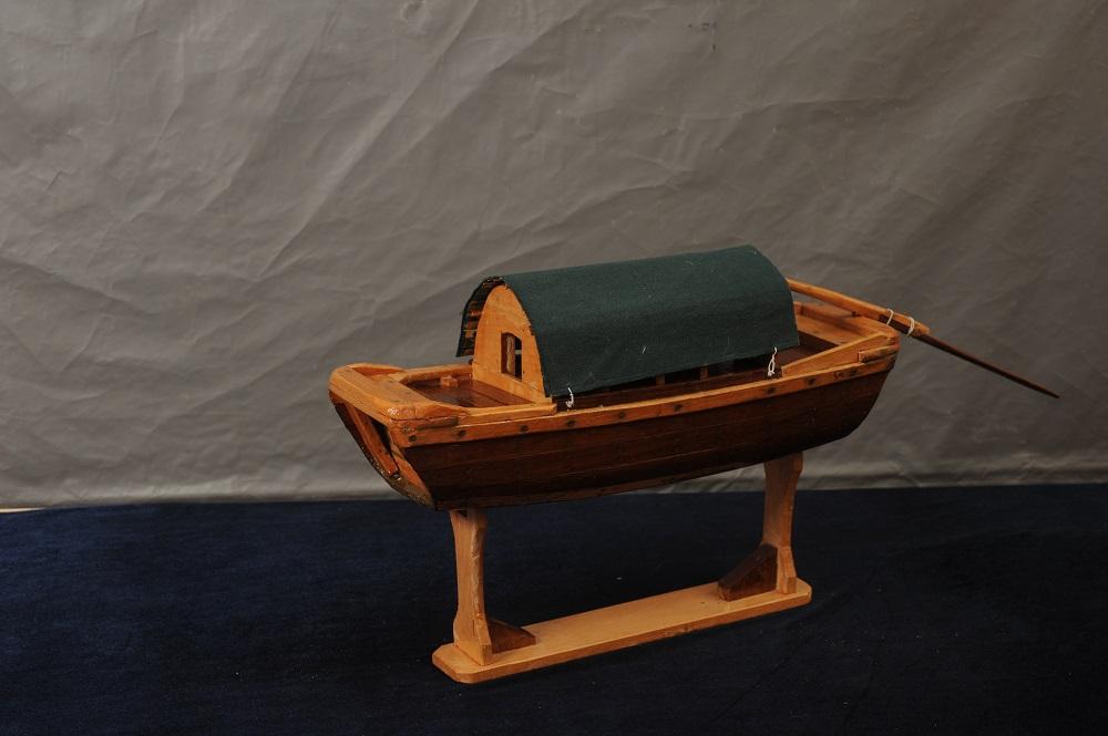 堅守夕陽 船匠的造船故事--訪澳門資深造船工匠溫泉