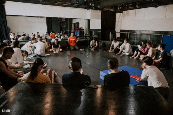來自廣州的藝術家郭睿分享在中國視角下,如何尋找具變革的舞蹈